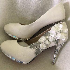 Shoes - Woman's Shoes